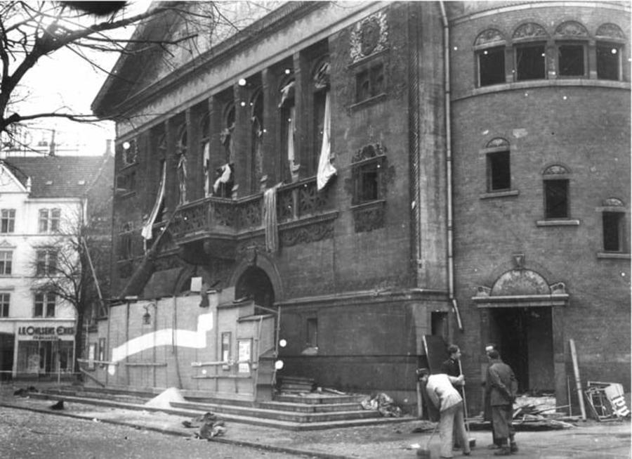 Billede af Aarhus Teater efter eksplosionen