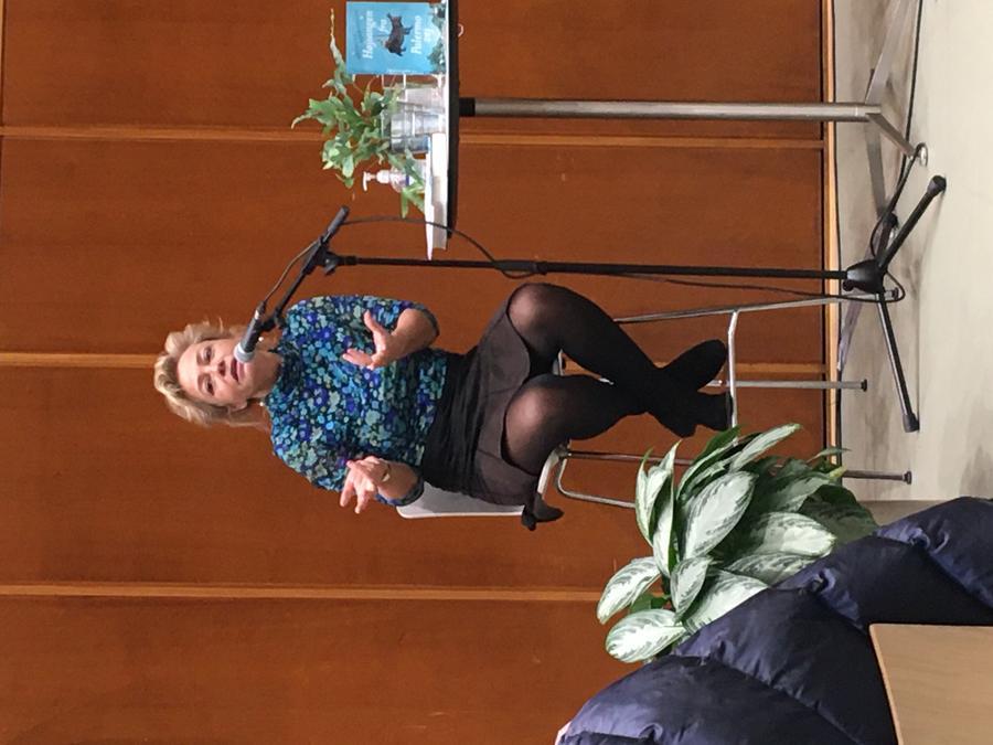 Annette Bjergfeldt til Bogdag i Åby