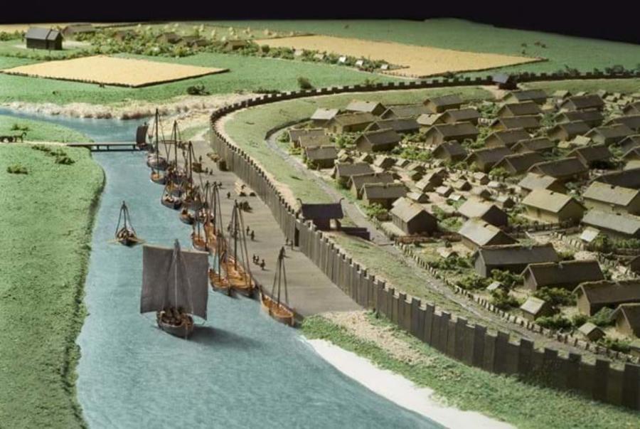 Billedet viser en model af Aarhus i vikingetiden. Morten Grønbech, Moesgaard Museum