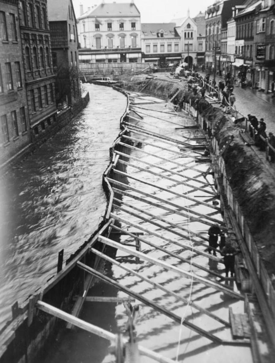 Billede af anlægsarbejdet med overdækning af åen