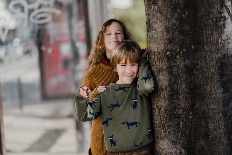 Billede af en dreng og en pige