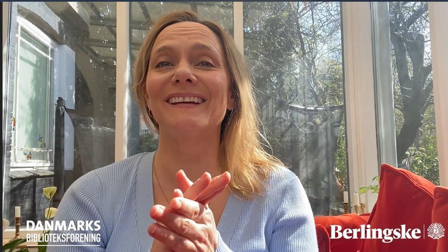 Maren Uthaug smiler efter at have vundet pris